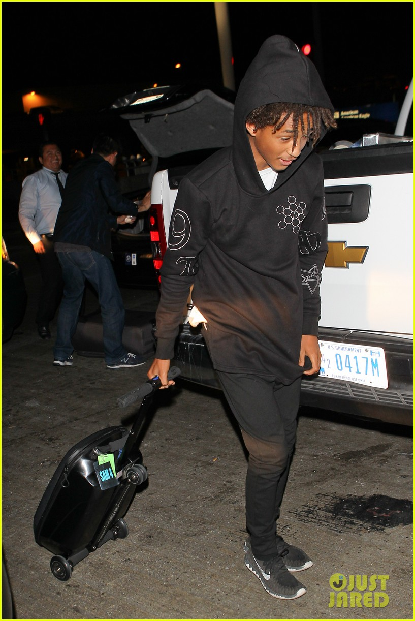 jaden smith flies out of town 09