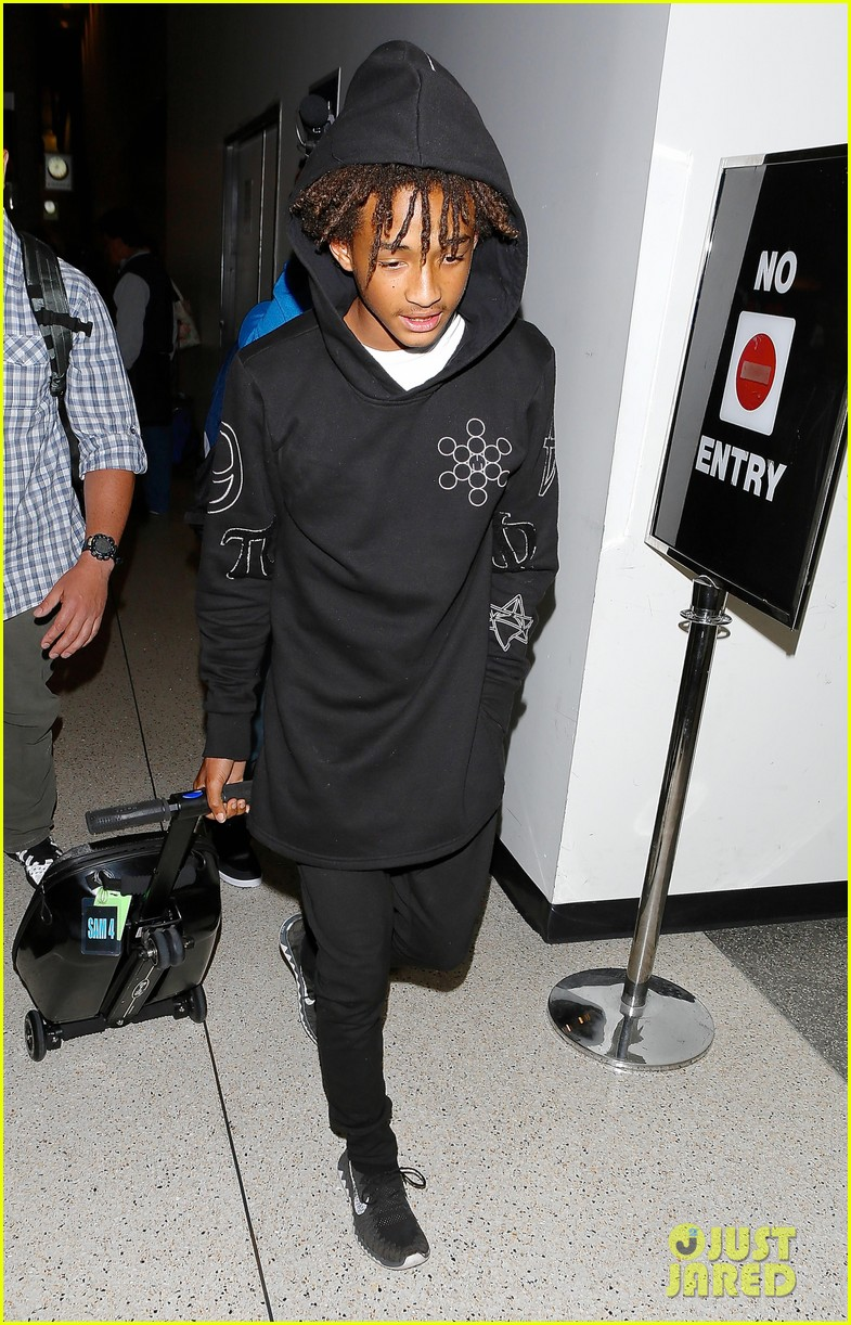 jaden smith flies out of town 113120492