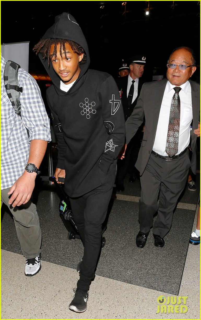 jaden smith flies out of town 15