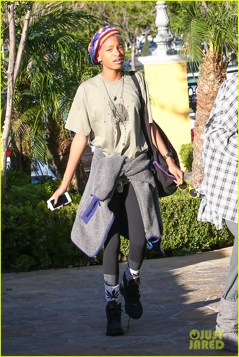willow smith wears socks with marijuana leaf on the front 04
