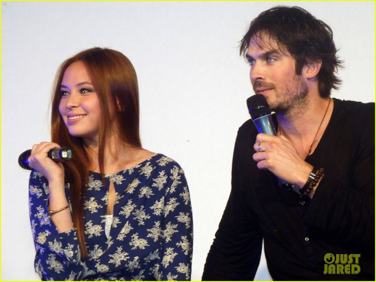 ian somerhalder entertains crowd another day of bloody con 073116057