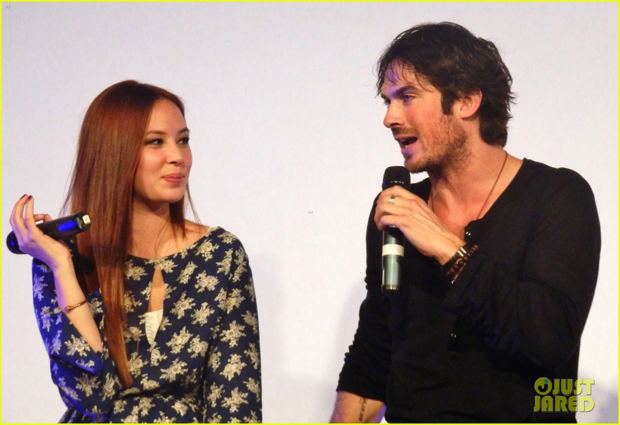ian somerhalder entertains crowd another day of bloody con 133116063