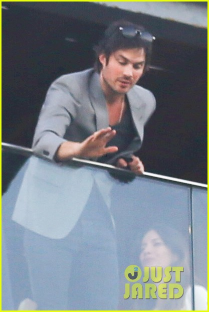 ian somerhalder blows kisses to fans from rio hotel balcony 19