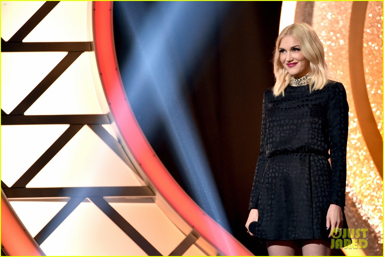 gwen stefani iheartradio music awards 2014 08