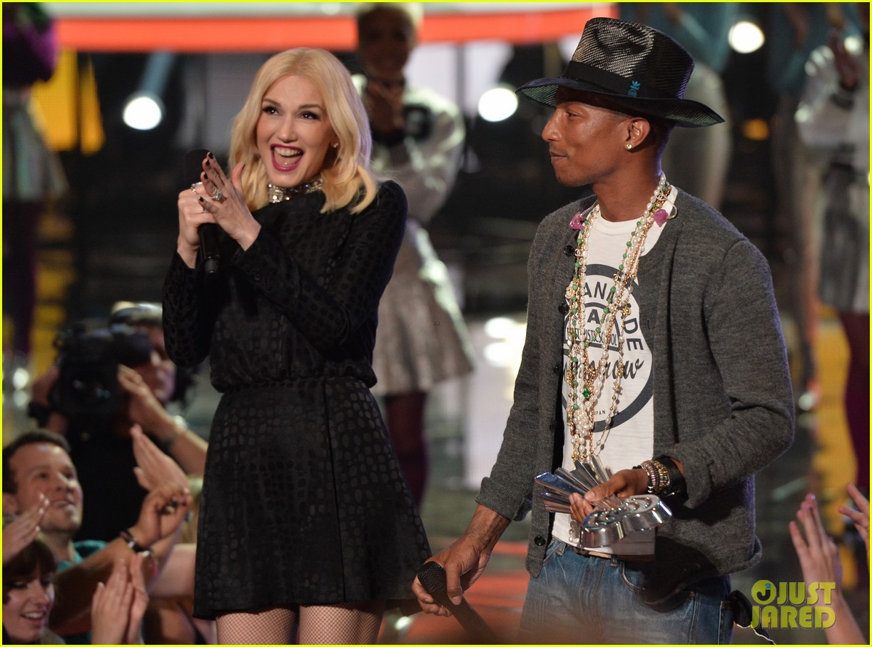 gwen stefani iheartradio music awards 2014 113103639