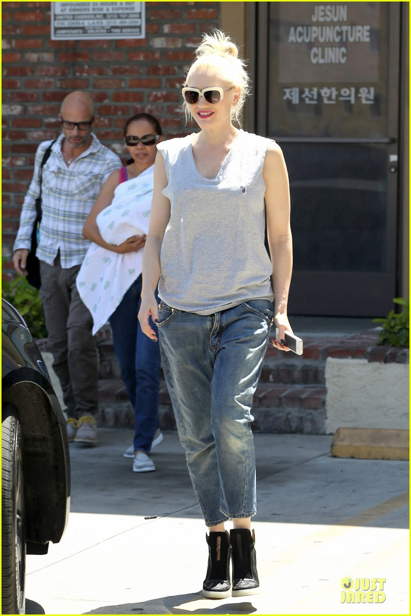 gwen stefani shares pic on mothers day 07