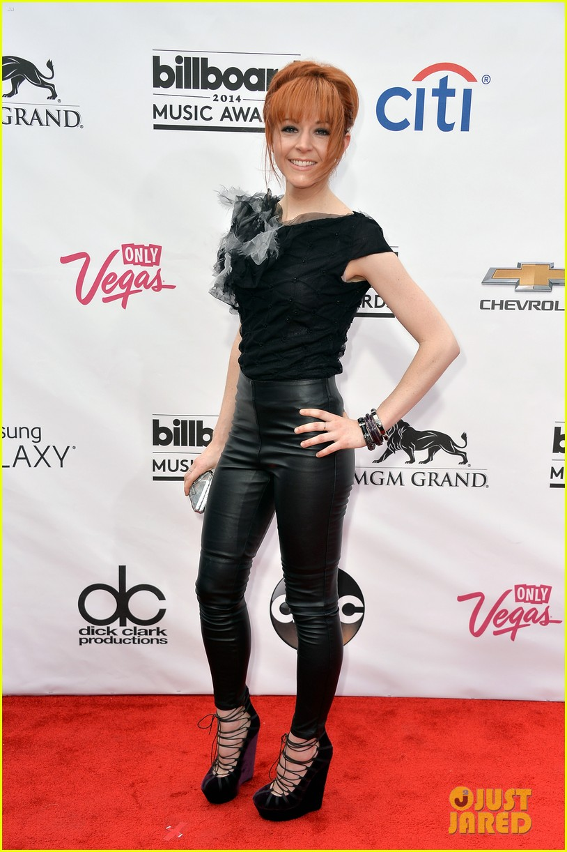 lindsey sterling josh groban billboard music awards 2014 red carpet 053116857
