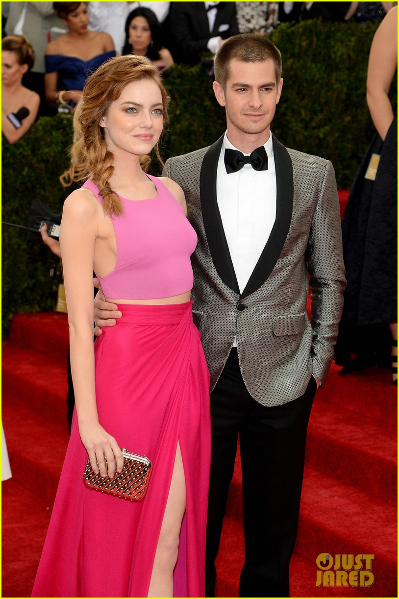 andrew garfield only has eyes for emma stone at met ball 2014 01