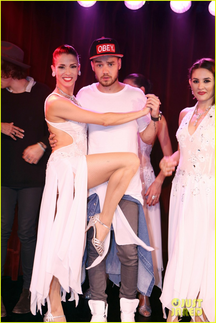 harry styles liam payne tango dance with beautiful ladies 04