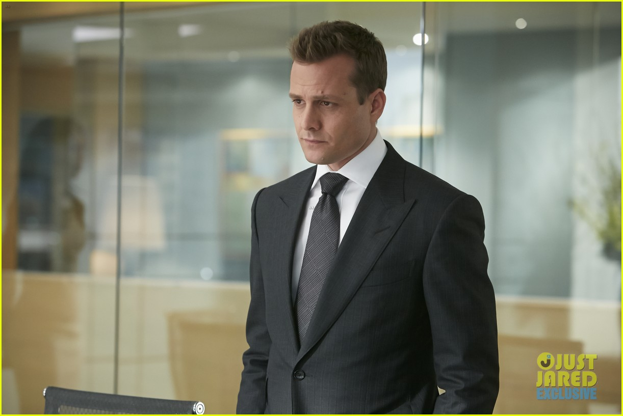 suits season 4 premiere photos exclusive mike new job 01