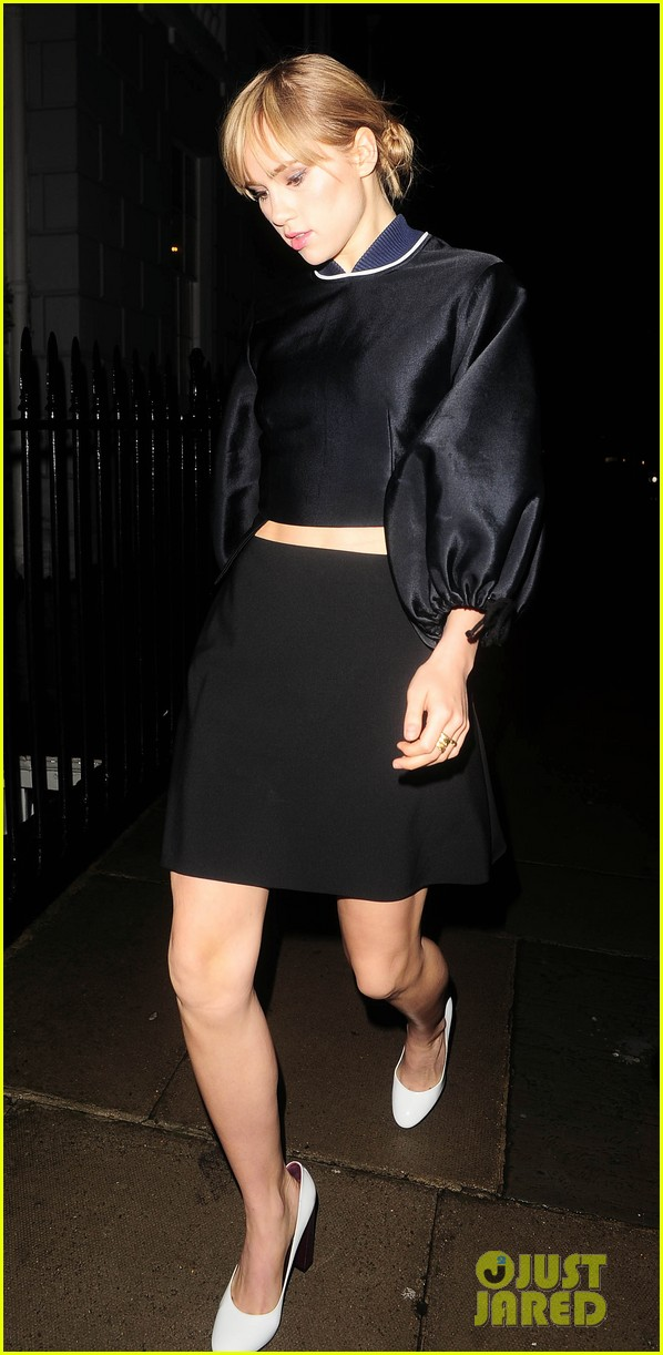 cara delevingne suki waterhouse look so glamorous for night out 03