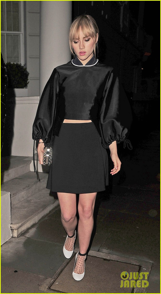 cara delevingne suki waterhouse look so glamorous for night out 20
