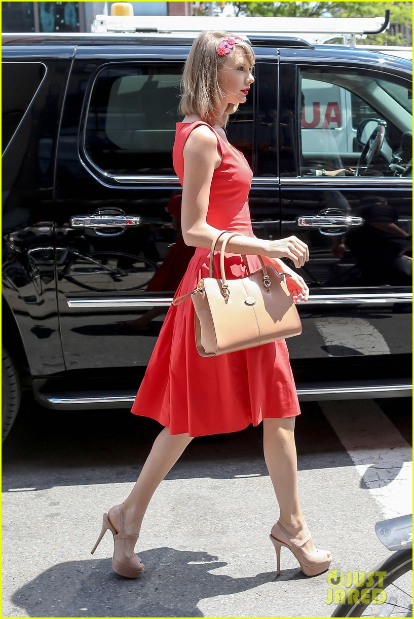 taylor swift red dress meredith met gown 093117479