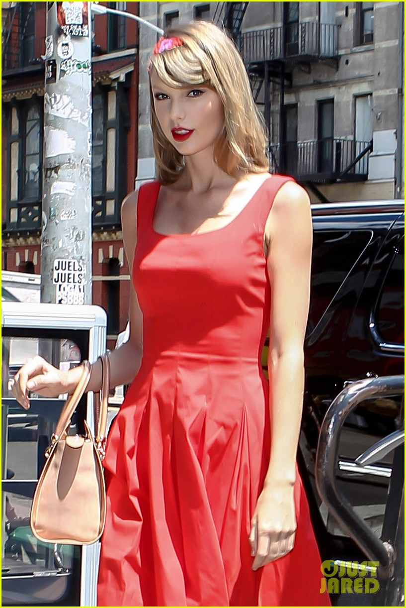 taylor swift red dress meredith met gown 14