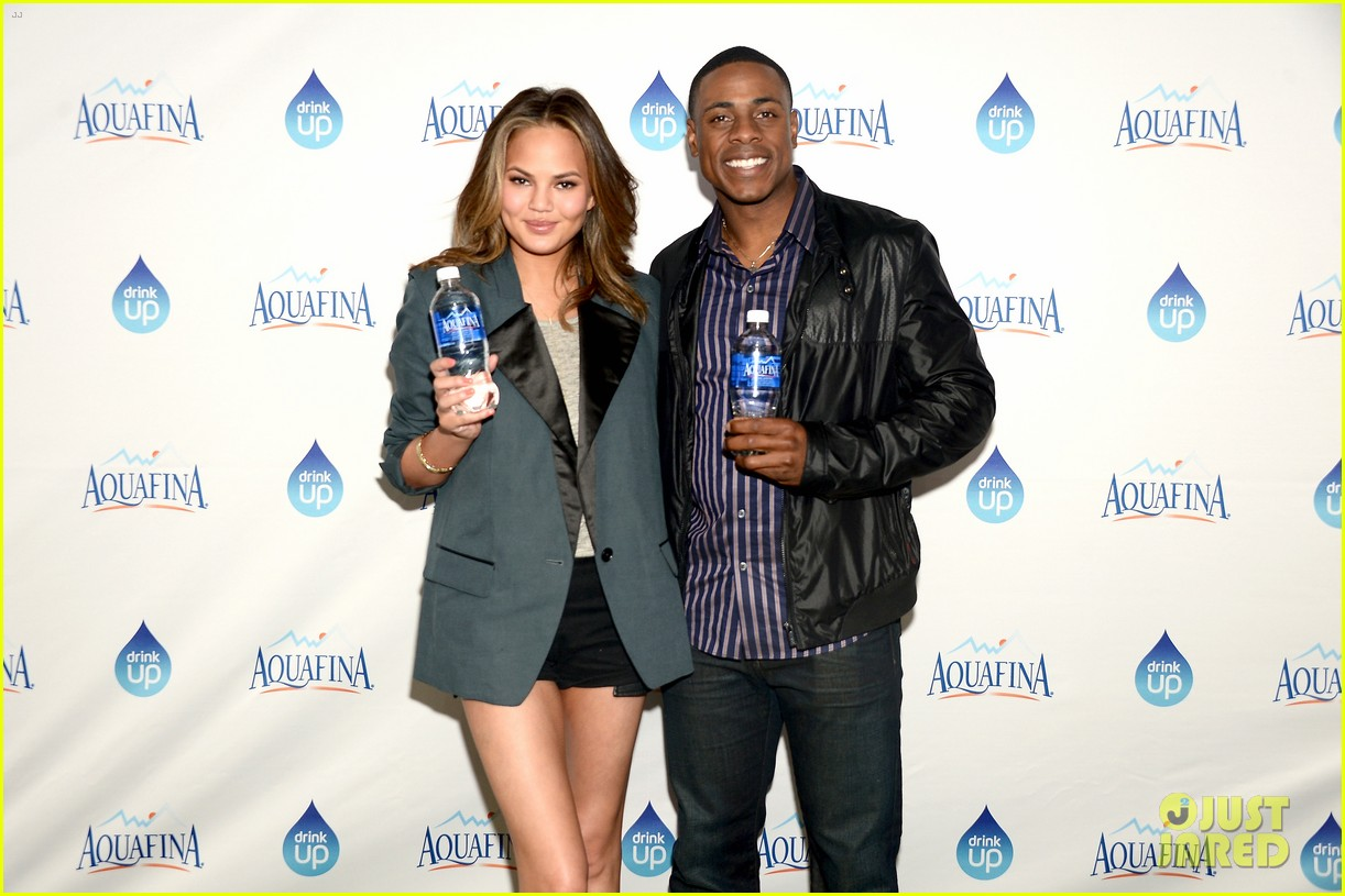 chrissy teigen beats john legend on hollywood game night 063108906