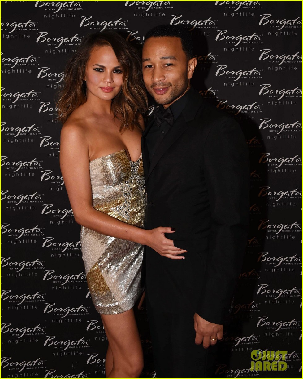chrissy teigen john legend borgata memorial day 02