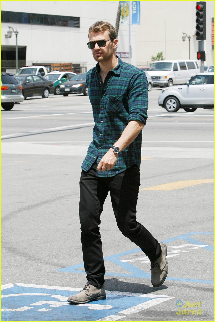 theo james runs errands los angeles 05