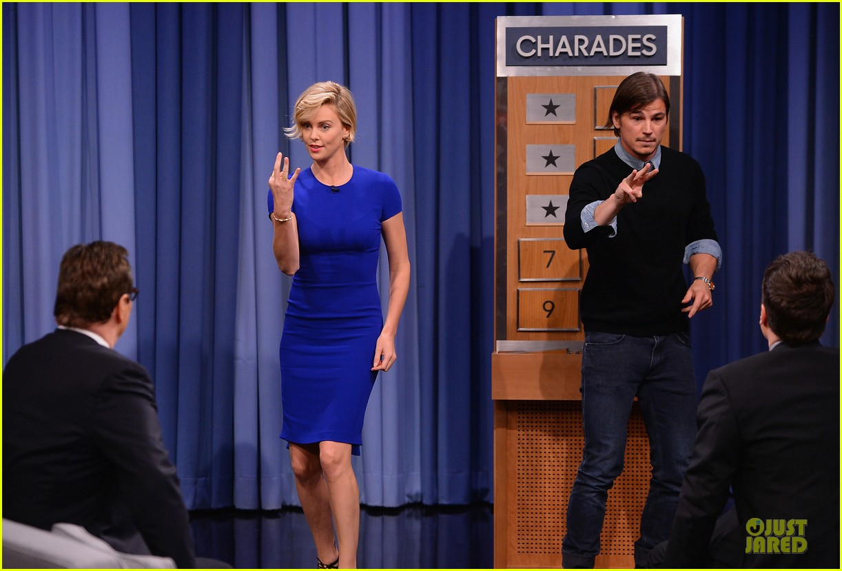 charlize theron josh harnett play charades on tonight show 033118616