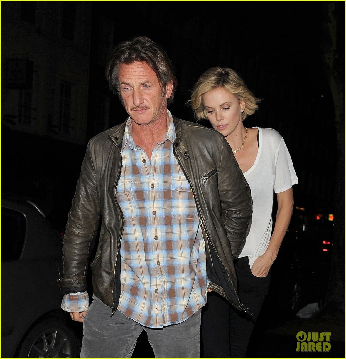 charlize theron sean penn step out for memorial day dinner 023122496