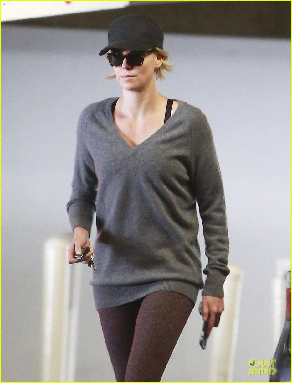 charlize theron transition friendship to relationship 04