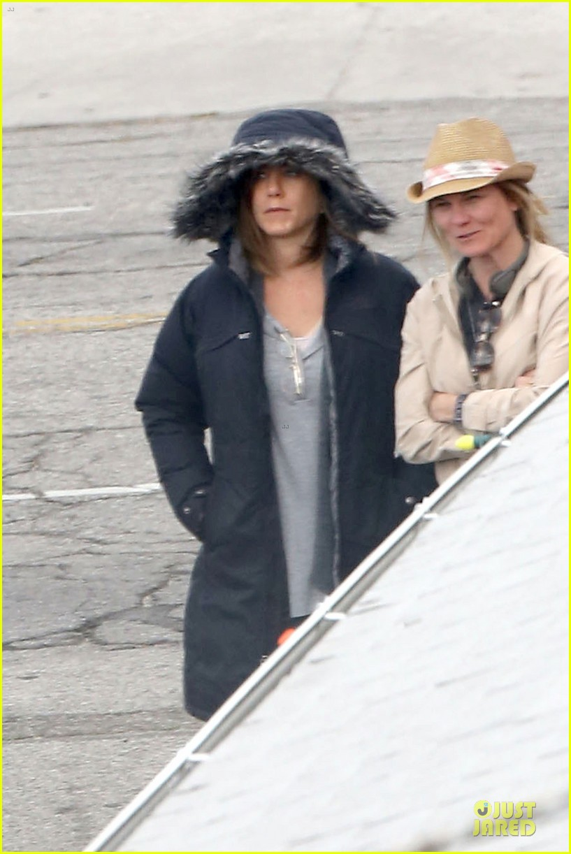 jennifer aniston cake justin theroux right shirt for muscles 023107126