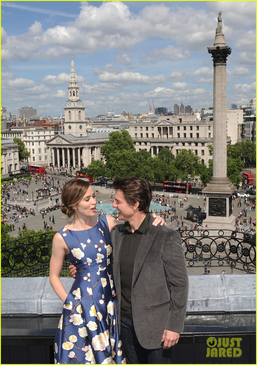 tom cruise emily blunt edge of tomorrow photo call 093122010