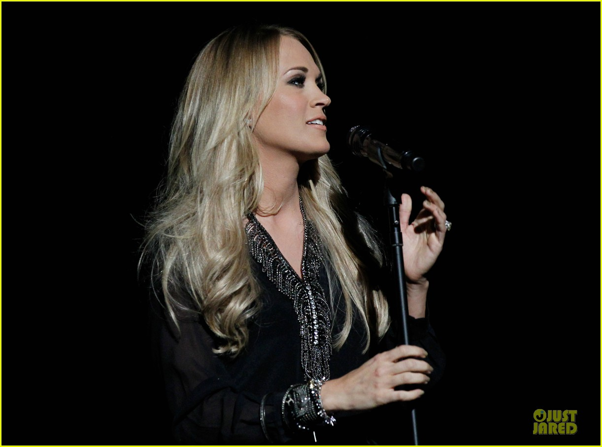 carrie underwood mike fisher were all 4 the hall concert 133107170
