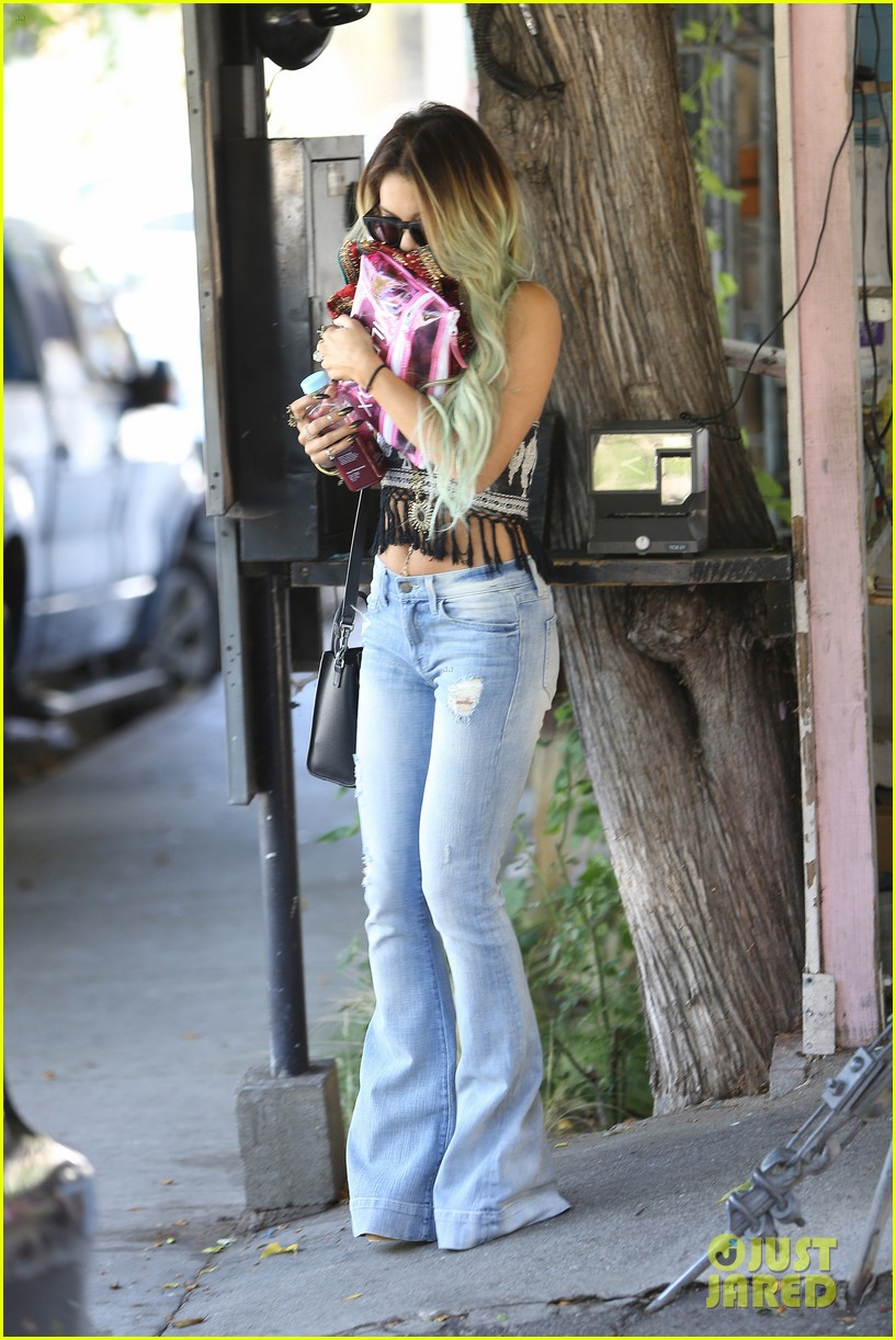 vanessa hudgens ashley tisdale 901 salon stop 16