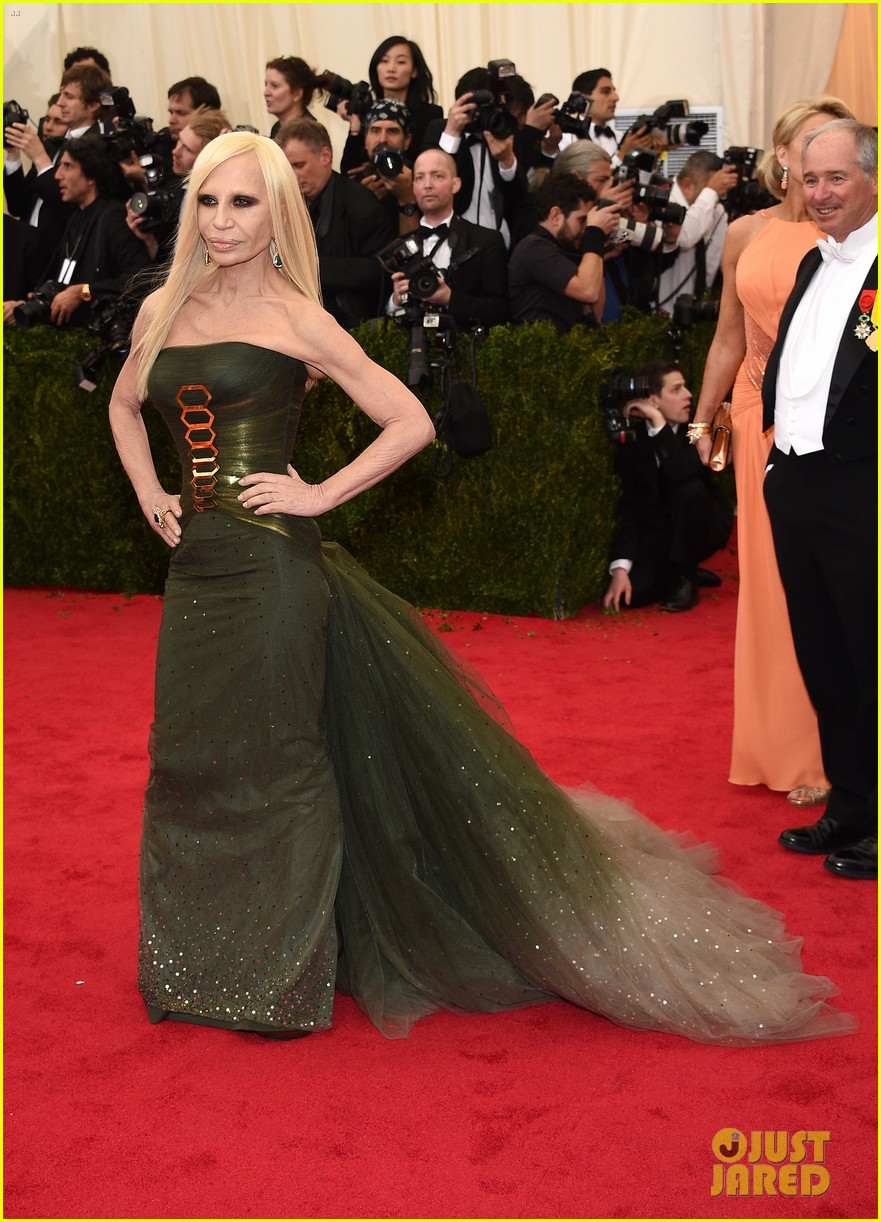 donatella versace met ball 2014 043106500