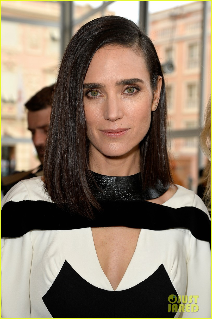 jennifer connlly brit marling louis vuitton fashion show 123116101