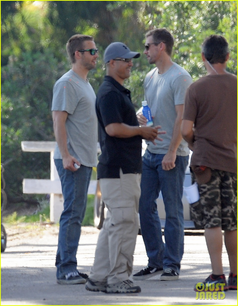 paul walker lookalike brothers spotted fast furious set 033116008