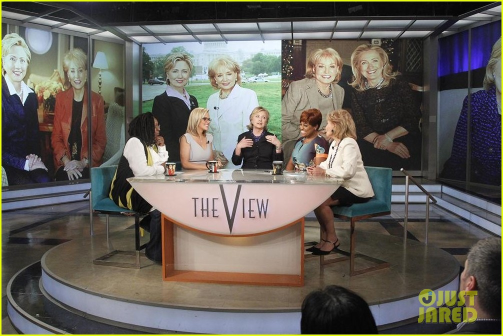 barbara walters final view episode brings out newscasters 01