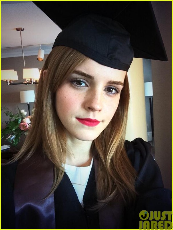 emma watson cap and gown graduation pic013121926