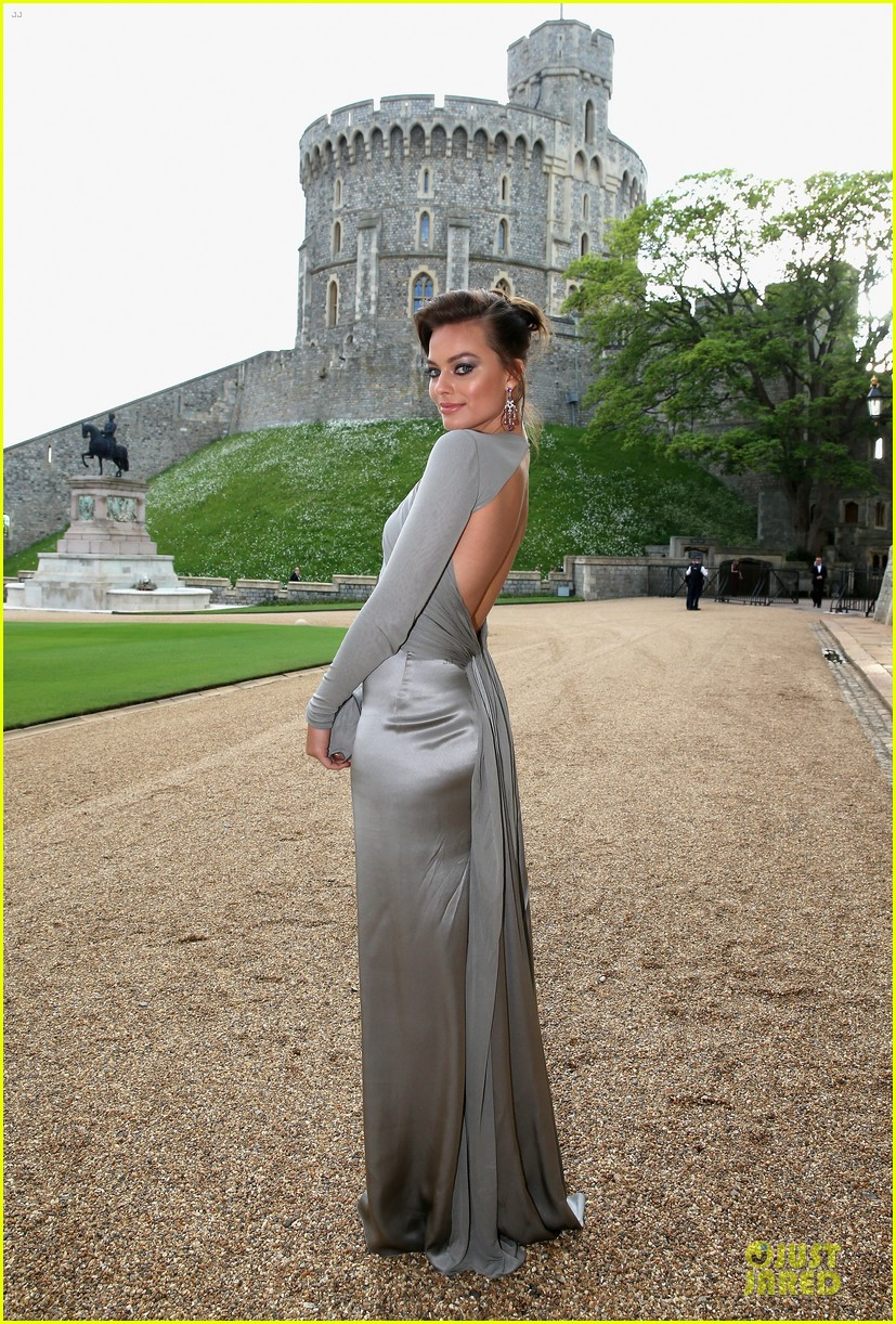 emma watson margot robbie royal marsden dinner 033112649