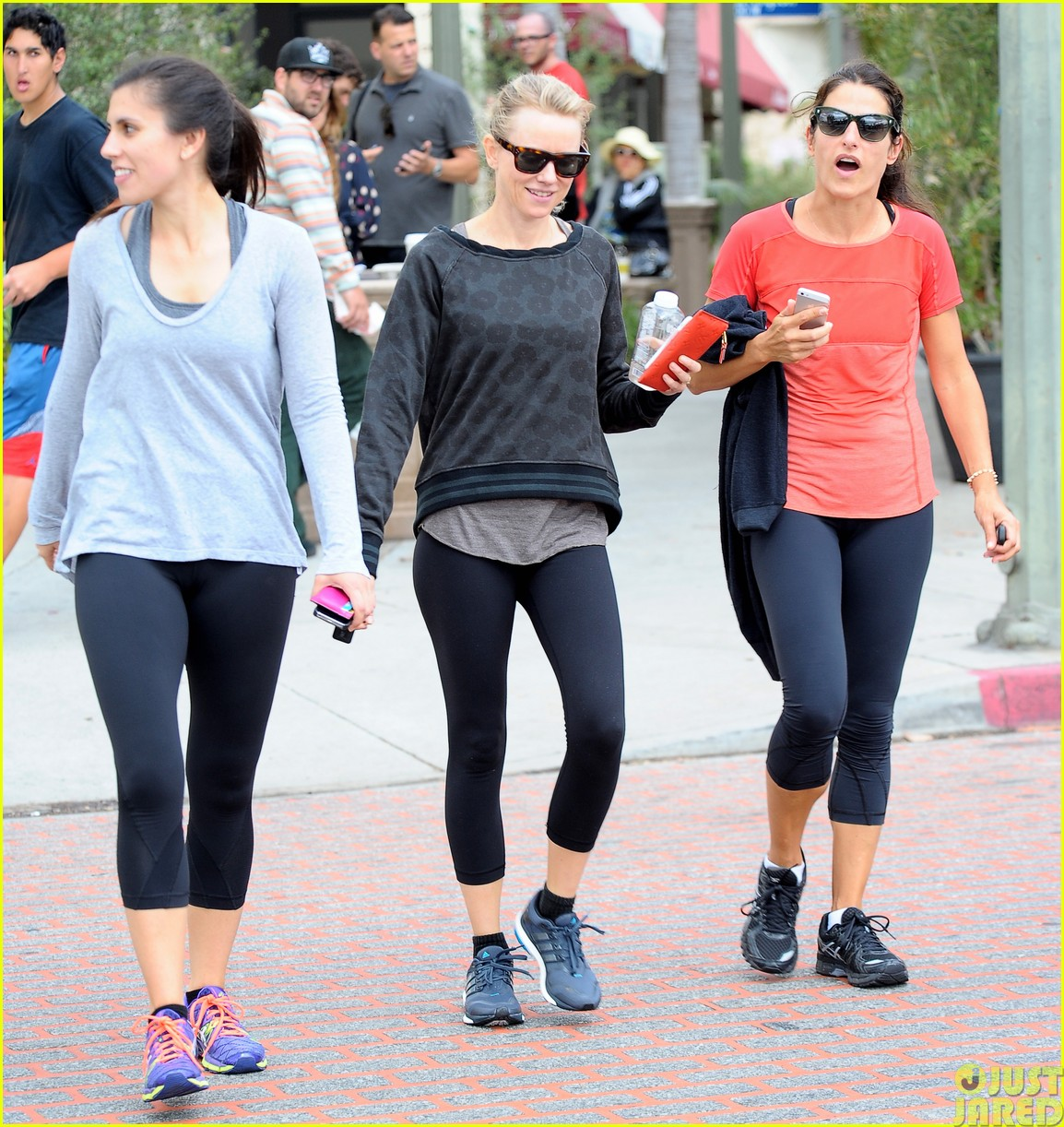 naomi watts works out with her bffs023121105
