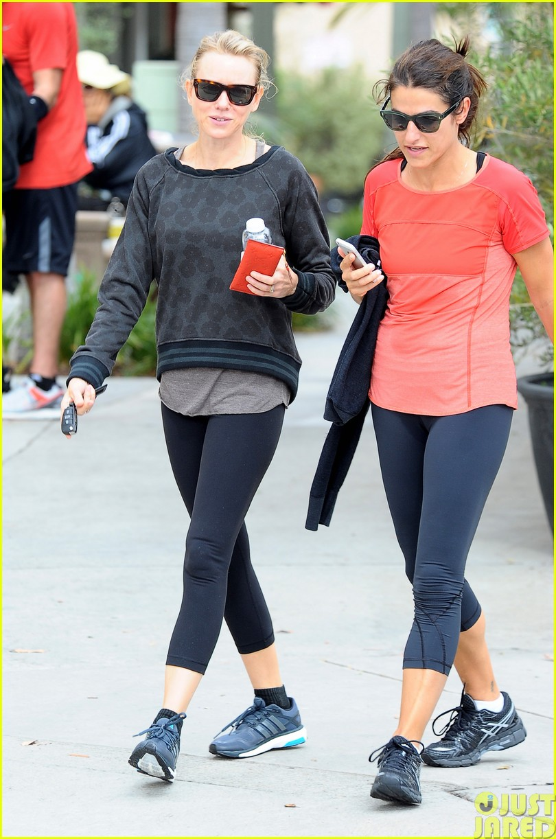 naomi watts works out with her bffs153121118