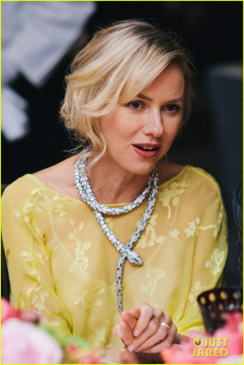 naomi watts wears gorgeous jeweled snake necklace to bulgari gala 023103207