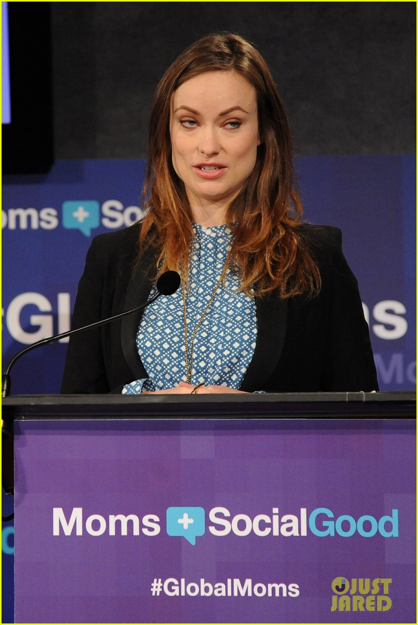 olivia wilde plays john mayer or pepe le pew 183108182