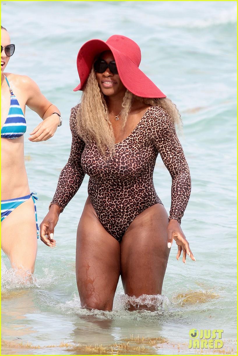 serena williams bootylicious beach caroline wozniacki 17
