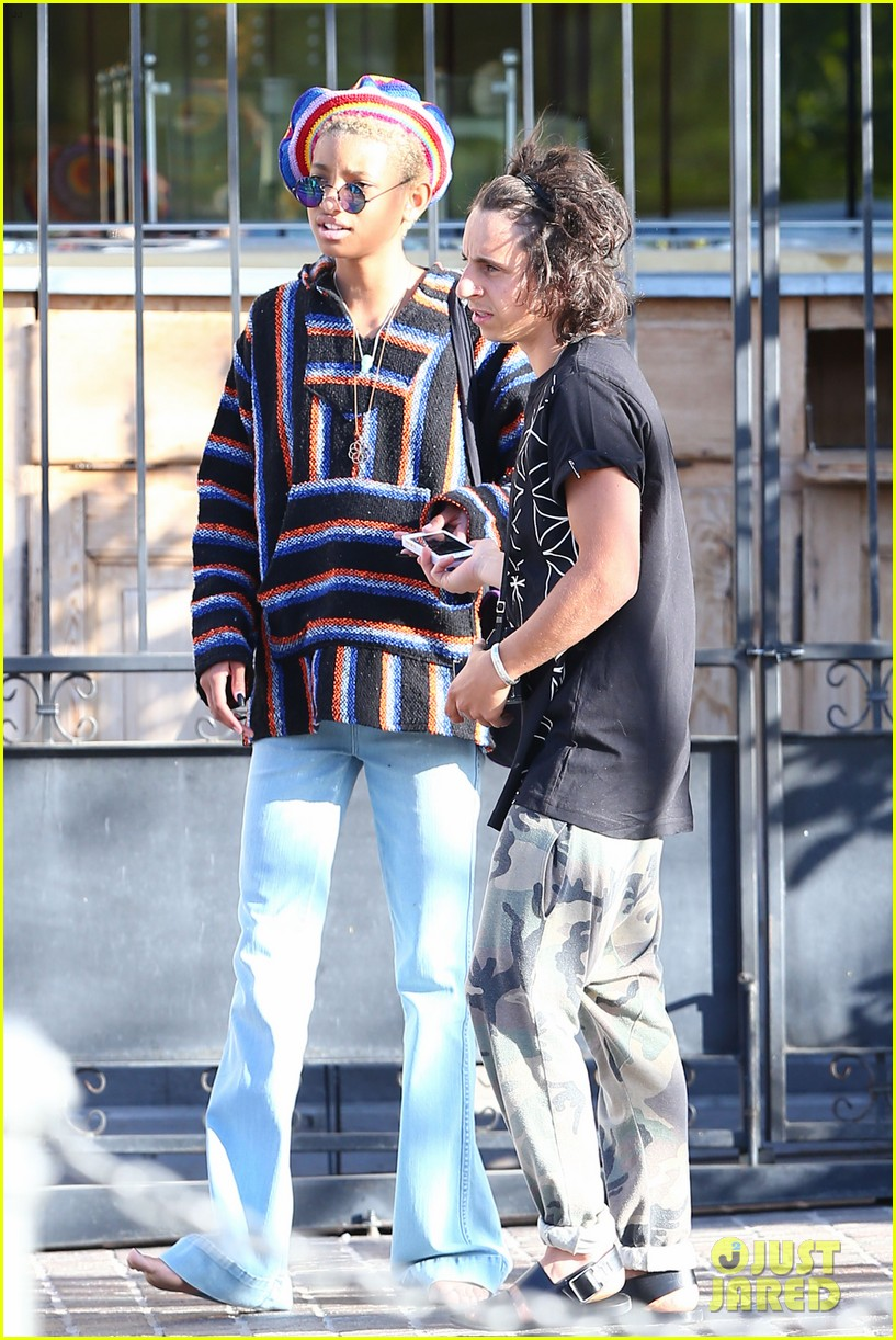 willow smith telana nicole moises arias073103933