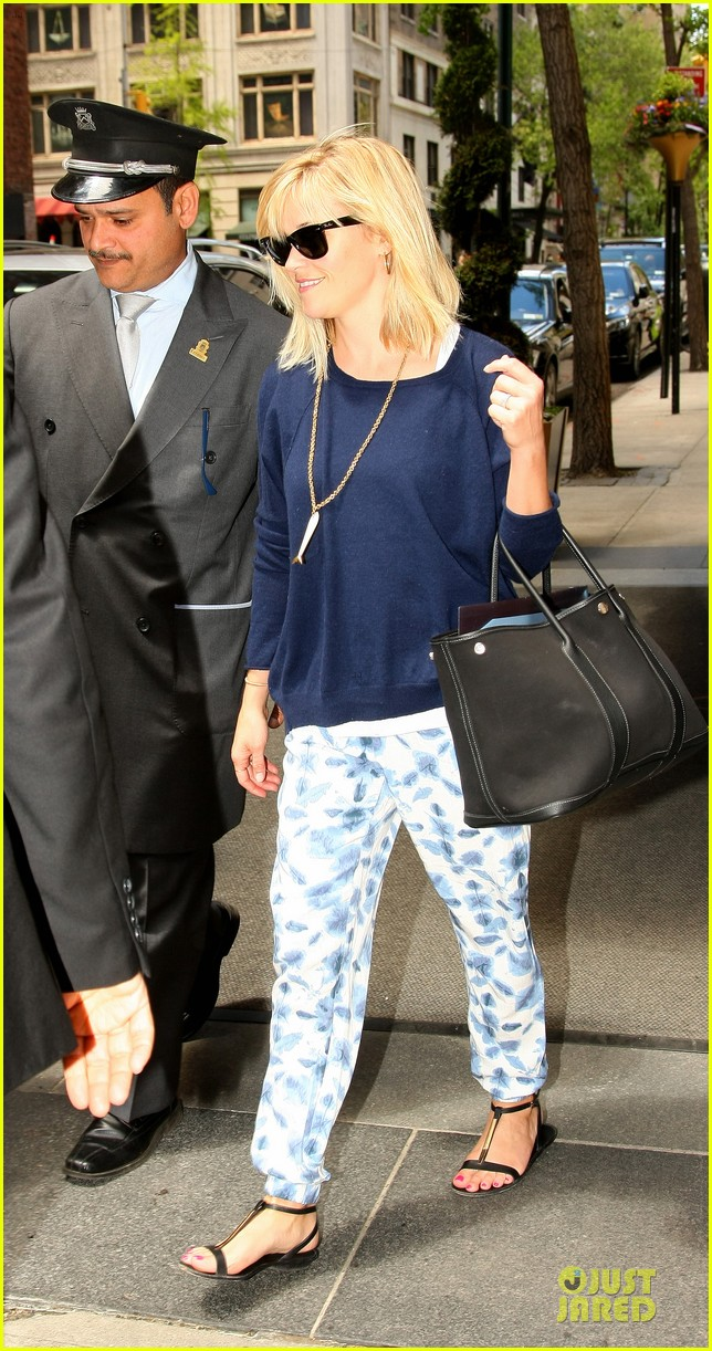 reese witherspoon goes comfy after met 033107660