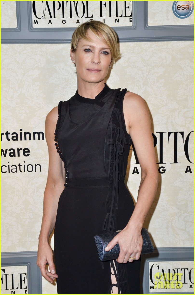 robin wright house of cards cast meet the real politicians 08