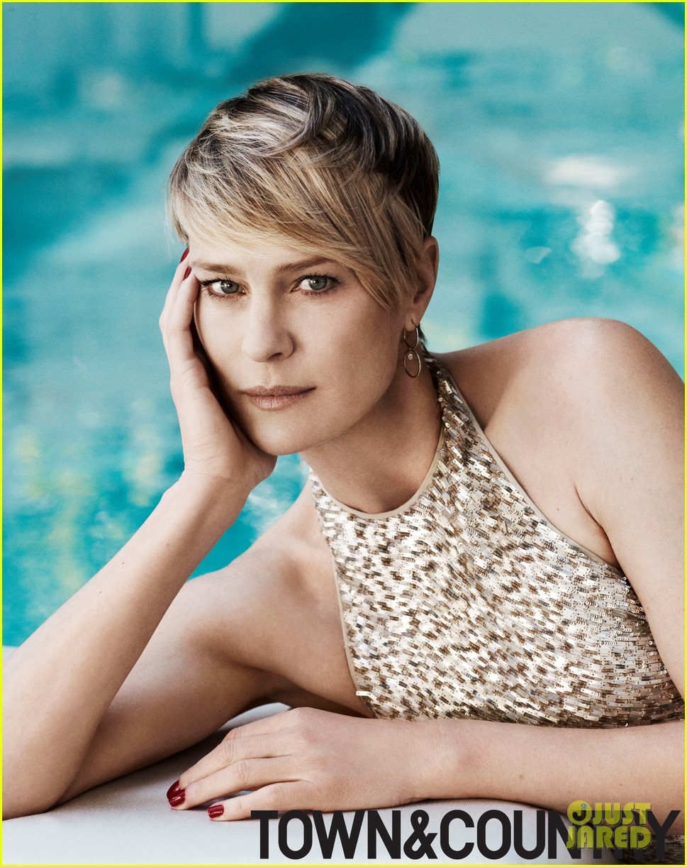 robin wright covers town country june july 2014 02