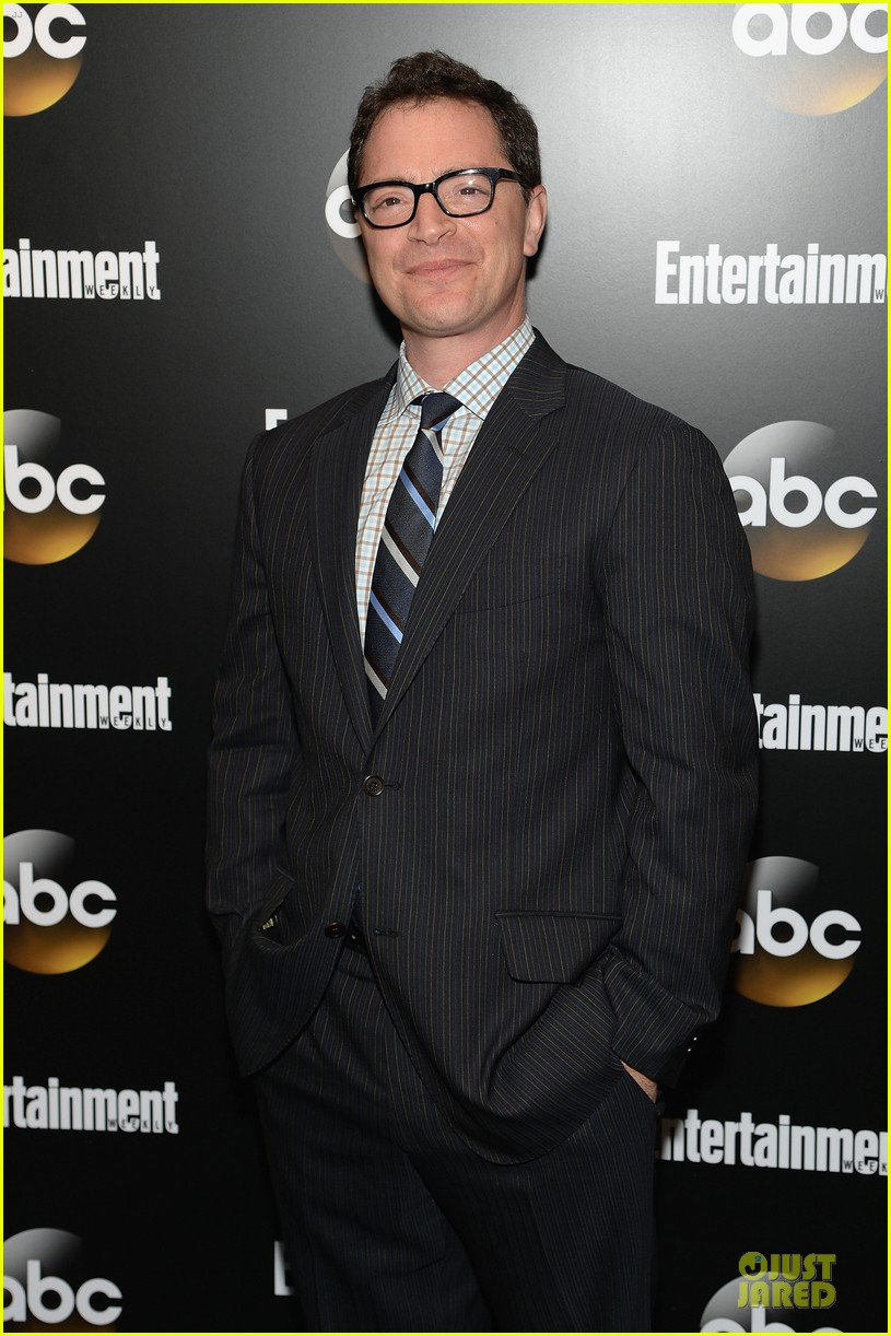 bellamy young tony goldwyn scandal abc upfront party 073112927
