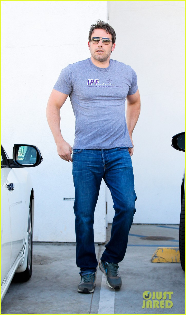 ben affleck bulked up for batman 01