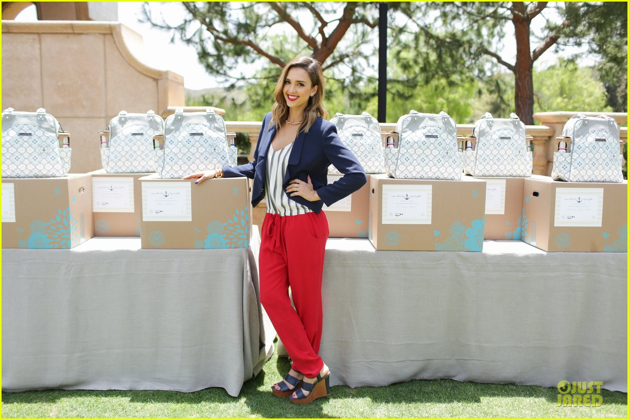 jessica alba baby shower for us navy families 143127526