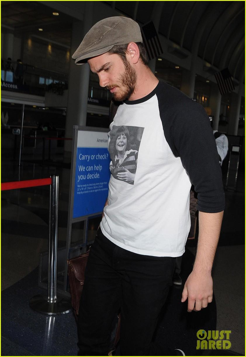 andrew garfield michael j fox shirt airport 073133894