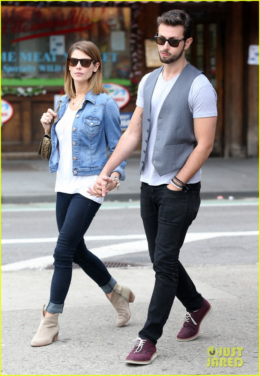 ashley greene paul khoury kiss after coffee 103133506