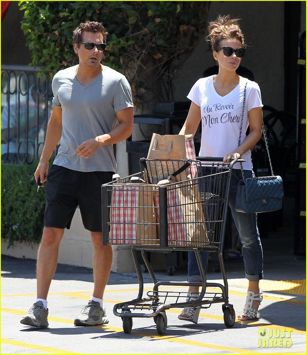 kate beckinsale len wiseman stock up on groceries 013141813