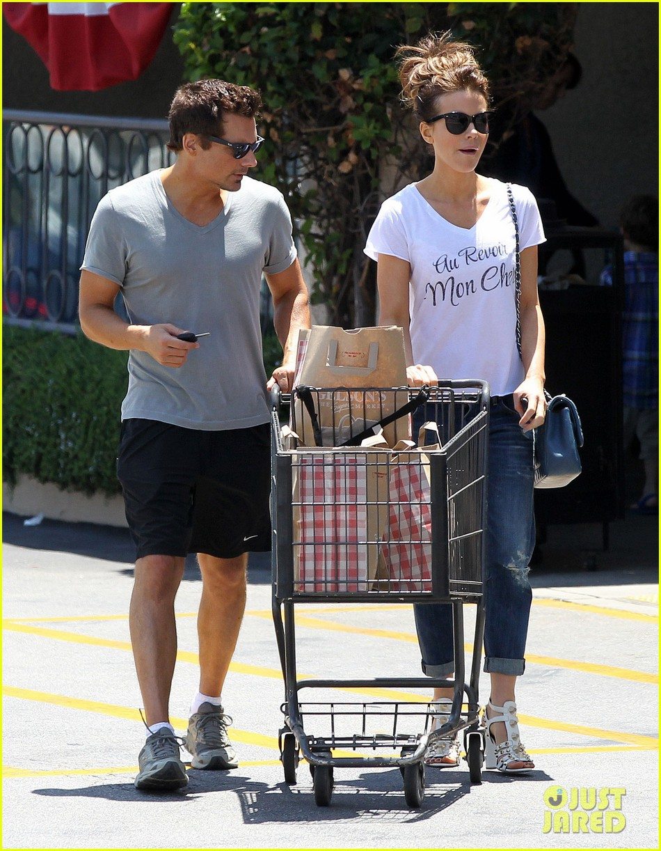 kate beckinsale len wiseman stock up on groceries 17